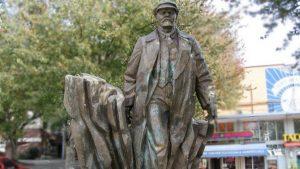 ABD'de heykel gerilimi diğer heykellere sıçradı: Lenin heykelini yıkma çağrısı yapıldı