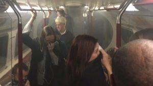 Londra Metrosu boşaltıldı: Sebebi belli olmayan duman paniğe neden oldu