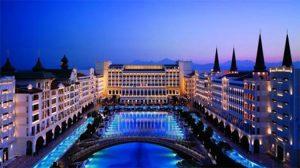 Dünyanın en lüks oteli seçilen Mardan Palace 1 hafta süreyle rezervasyon alımlarını durdurdu