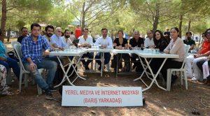 Adalet Kurultayı'nda gazetecilerden önemli mesajlar: Karamsarlığa gerek yok!