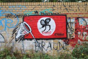 Faşizme 'en iyi cevap': Almanya'da grafiti sanatçıları Nazi sembollerini sanata dönüştürüyor