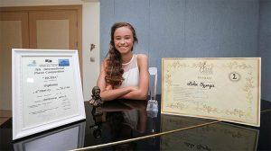 12 yaşındaki Nehir Özzengin, İtalya'da dünya ikincisi oldu.