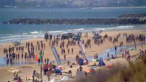 Portekiz'de uçak kumsala indi: Ölüler var