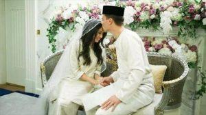 Eski futbolcu, prensesle evlenmek için Müslüman oldu
