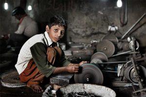 Türkiye'de çocuk işçi gerçeği: 'Daha fazla kar için Suriyeli çocuk çalıştırıyorum'