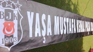 Süper Kupa maçında stada alınmayan Atatürk afişiyle ilgili paylaşım yapanlara soruşturma açılıyor!