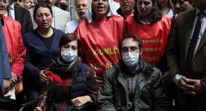 Davaya iki gün kala Nuriye Gülmen ve Semih Özakça'nın avukatlarına gözaltı