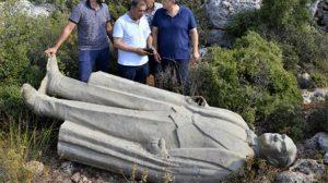 Atatürk heykeliyle ilgili gözaltına alınan 3 kişiye adli kontrol şartıyla tahliye