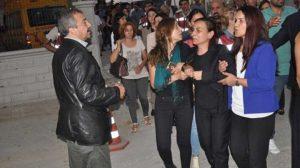 Hatun Tuğluk'un cenazesine saldıran kişiler hakkında skandal iddianame