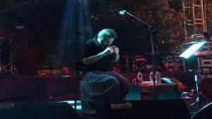 Halil Sezai acısına rağmen sahneye çıktı