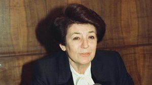 Türkiye'nin ilk kadın bakanı Türkan Akyol hayatını kaybetti