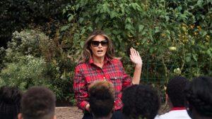 Melania Trump neden hep gözlüklü?