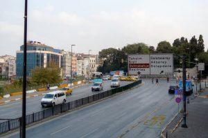 İstanbul'daki sürücülere uyarı: Maç dolayısıyla yollar trafiğe kapanıyor