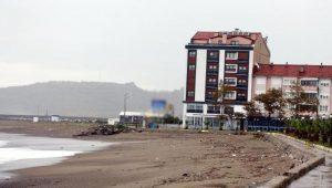 Sahile bina yaptıran AKP'li Başkan: Kanuna aykırı bir gram şey yok