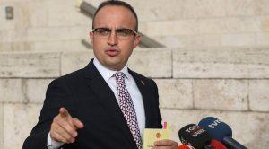 AKP'li Bülent Turan'dan 'belediye başkanlarının istifalarına' ilişkin açıklama