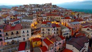 İtalyan kasabası Candela 'göç' istiyor