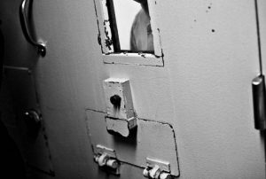 OHAL'de cezaevleri: Manisa'da tutuklular mutfakta yatıyor