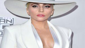 Lady Gaga'yı hastaneye düşüren gizemli hastalık!
