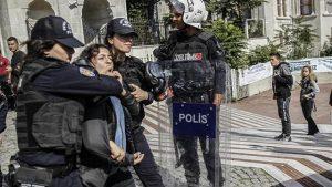 İstanbul Üniversitesi'nde 10 Ekim anmasına polis müdahale etti
