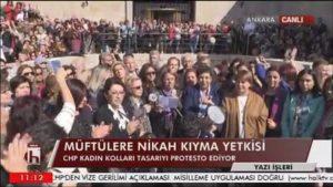 CHP'li kadınlar Meclis'in kapısına dayandı!