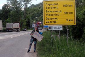 İki Türk üniversite öğrencisi otostopla 40 günde 18 ülke gezdi