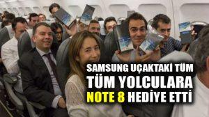 Samsung uçaktaki tüm yolculara Note 8 hediye etti!