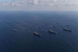 Pasifik'te sular ısınıyor: ABD donanması savaş düzenine geçti