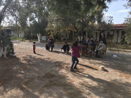 Midilli Adası'na geçiş hazırlığındaki 29 kaçak, yakalandı