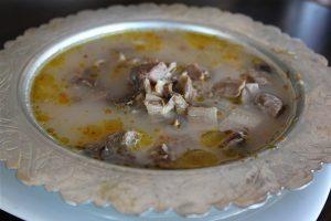 Cilt için krem kullanan kadınlara altın tavsiye: Paça çorbası için!