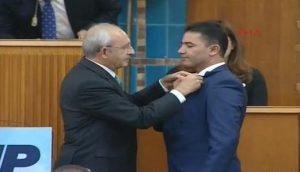 Yarbay Ali Alkan CHP'ye katıldı! Şehit cenazesindeki tepkisi hafızalarda…