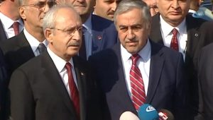 Kılıçdaroğlu ve KKTC Cumhurbaşkanı'ndan Baykal'a ziyaret