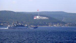 Rus savaş gemisi Çanakkale Boğazı'nda!