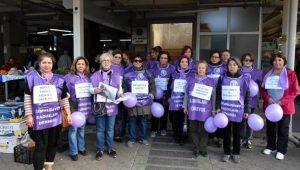 Halk pazarında kadınlardan 'şiddete hayır' eylemi