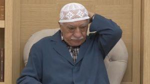 FETÖ'nün iğrenç motivasyon yöntemi: Gülen'in iç çamaşırları örgüt evinden çıktı!