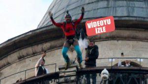 Galata Kulesi'nden base jump atlayışı yaptı