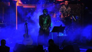 Halil Sezai konserinde bıçaklı kavga