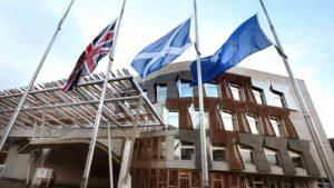 İskoç parlamentosunda bomba alarmı