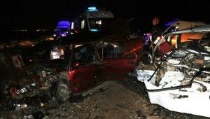 Diyarbakır'da feci kaza: 2 ölü, 10 yaralı