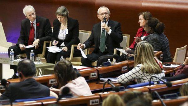 Kılıçdaroğlu, Dünya Demokrasi Forumu'nda konuştu