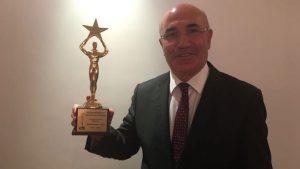 Mahmut Tanal yılın en iyi siyasetçisi seçildi
