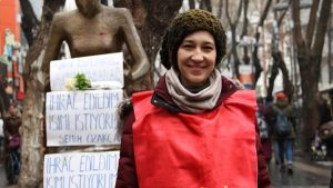 Nuriye Gülmen gözaltına alındı