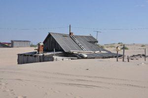 Bu köy her gün biraz daha kuma batıyor!