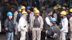 2 bin işçi kendini madene kilitleyerek torba yasayı protesto etti