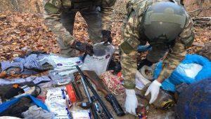 Amanoslarda PKK'ya ait 5 sığınak ve 1 erzak deposu bulundu