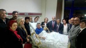 Kongreden çıkıp, hastanede tedavi gören Başkan Mustafa İnce'yi ziyarete gittiler