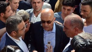 Enis Berberoğlu davasında duruşma salonu boşaltıldı
