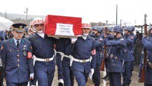 Şemdinli'de intihar eden binbaşı, Eskişehir'de toprağa verildi