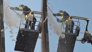 Buz kırma timi, günde yüzlerce ton buz imha ediyor