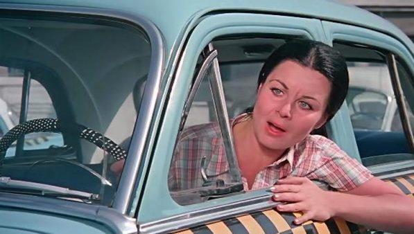 """Fatma Girik'e """"Şoför Nebahat""""lı yaş günü"""