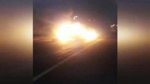 Lüks araç kamyona çarptı, alev aldı: 1'i ağır, 4 yaralı